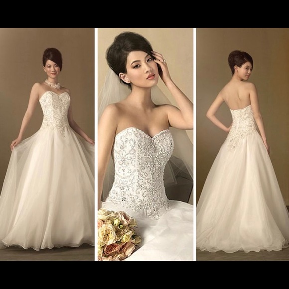 New Plus Size wedding dress from Alfred Angelo.